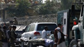 U konvoje s viceprezidentem se odpálil atentátník: Dva mrtví v centru Kábulu