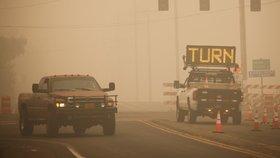 Oregon evakuuje tisíce lidí, ničivé požáry na západě USA mají už 15 obětí