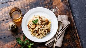 Italské hříbkové rizoto: Víte, jak docílit lahodné krémové konzistence?