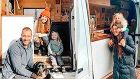 Rodiče se synem (3) a psem žijí v dodávce! Dům prodali a cestují po celé zemi
