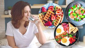Průzkum ukázal: Jak jsou na tom Češi se snídaní? A recepty na nejlepší ranní jídla!
