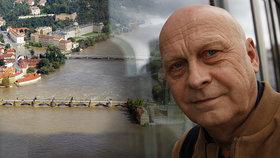 Hasič roku Václav Kratochvíl zachránil Karlův most před zkázou: Strávil 34 hodin na nohou!