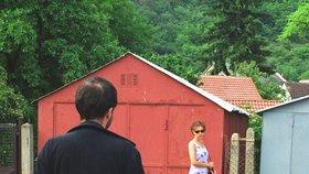Mladík se v Trutnově ukájel před ženami, teď čeká na soud ve vazbě
