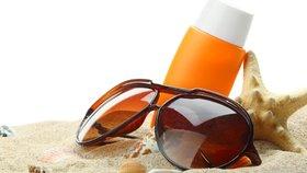 Balíte na dovolenou? Opalovací krémy z loňska vyhoďte! Nemají už UV filtr!