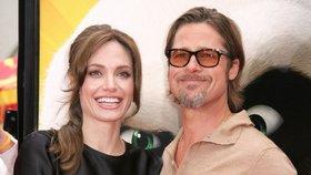 Angelina Jolie si po amputaci prsů chce vzít Brada Pitta: Čím dříve, tím lépe!