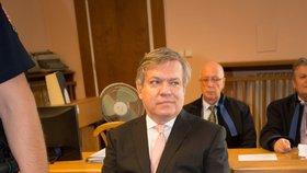 Barták se u soudu hájil, že ženy, se kterými měl styk, byly prostitutky
