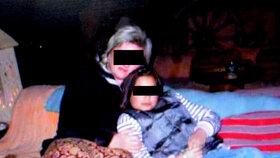 Zavražděná Johanka (†12) se svou maminkou. Ta se po její vraždě zhroutila