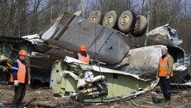 Pilot se několikrát pokusil o přiblížení a zahájení přistávacího manévru.