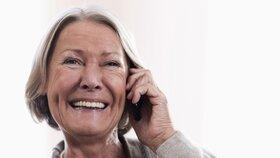 Na penzi se státním příspěvkem spoří o 4000 lidí méně než loni, uvedla Asociace