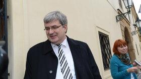 Za Zemanem do jeho prezidentské kanceláře dorazil i vlivný právník a šéf ČSTV Miroslav Jansta