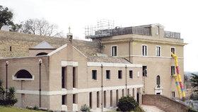 Papež odejde do nedalekého sídla v Castel Gandolfu,