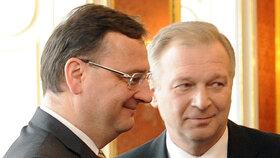 Pro premiéra Nečase končí tříměsíční hledání nového ministra obrany, vybral náměstka Picka