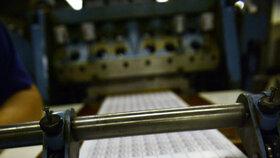 Do týdne tiskárny natisknou 10 milionů kusů známek.