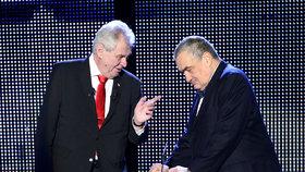 Miloš Zeman a Karel Schwarzenberg ve při při prezidentské volbě