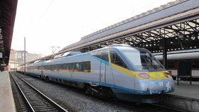 Správa železniční dopravní cesty zvýšila bezpečnostní opatření na českých tratích.