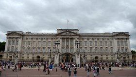 Buckinghamský palác narušili hned dva zloději
