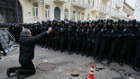Divoké demonstrace na Ukrajině: Majdan a pád Janukovyče