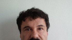 Podle vyšetřovatelů má Guzmán za sebou několik plastických operací. Jeho skutečná podoba nebyla dlouho přesně známa.
