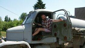 Čurda v květnu 2005, kdy havaroval se svým fekálním vozem poté, co se napil tak, že nadýchal 8 promile.