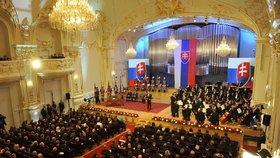 Inaugurace nového prezidenta SR Andreje Kisky se konala na slavnostní schůzi slovenské sněmovny v budově Slovenské filharmonie