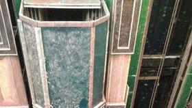 V této poloze se výtahy zasekly, když zkolaboval záložní generátor.