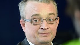 Z opozičních poslanců byl mezi největšími kritiky Marek Benda (ODS).