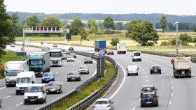 Dohodnuto: Češi za německé dálnice zaplatí víc než domácí. Aspoň někteří.