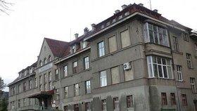 V této rumburské nemocnici za záhadných okolností zemřela jedna pacientka