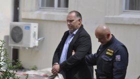 Bývalý šéf nemocnice Na Homolce Dbalý skončil ve vazbě.