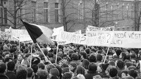 17. listopadu 1989 došlo večer ke krvavé řeži na Národní třídě.