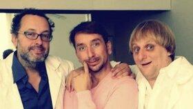 Jakub Žáček s hereckými kolegy Josefem Poláškem (vlevo) a Lukášem Pavláskem (vpravo)
