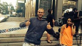 Tuto fotku poslal do redakce Blesk.cz Čech, který je momentálně v Sydney u přepadené kavárny