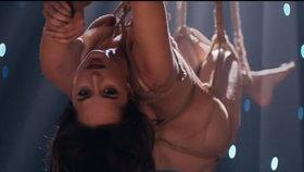 Film Padesát odstínů šedi překypuje erotickými scénami.