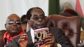 Zimbabwský prezident Mugabe slavil 91. narozeniny