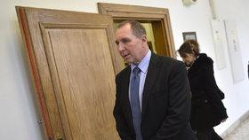 Exposlanec Petr Kott u soudu