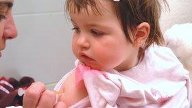 Nenechali jste očkovat své  dítě? Můžete dostat pokutu deseti tisíc