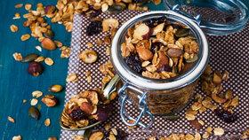 Správná zdravá a vydatná snídaně by měla obsahovat co nejvíce vlákniny, která vás na dopoledne zasytí.