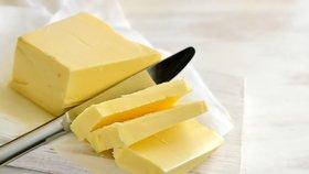 Máslo by mohlo stát 50 korun.