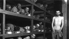 Vězni z Buchenwaldu.