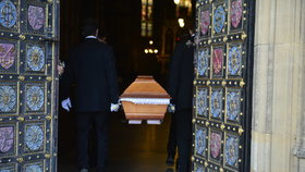 Prezident na Grossův pohřeb nepřišel
