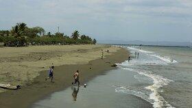 U Kostariky havarovala loď převážející chemikálie