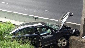 """Muž si po silvestrovské noci myslel, že mu ukradli auto. Ve skutečnosti s ním v opilosti odjel a """"zaparkoval""""."""