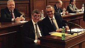 Andrej Babiš a Miroslav Kalousek: Poněkud křečovitý úsměv ve Sněmovně
