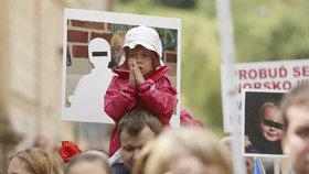 Protesty proti norské sociálce v Praze