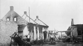 Vypálená obec Lidice.