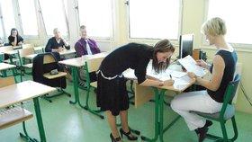 Dvojí metr by měl pomoci studentům v úspěšném složení zkoušek z dospělosti.