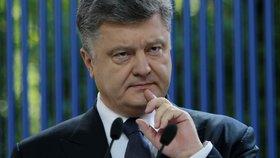 Prezident Porošenko si není jistý.