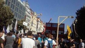 Demonstrace proti imigrantům v Praze