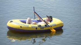 2015: Zemanova pohoda na člunu na Veselském rybníku