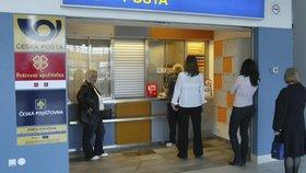 Česká pošta zavádí horkou novinku. Klienti budou moct platit kartou - a to ne jen jednou vyvolenou.